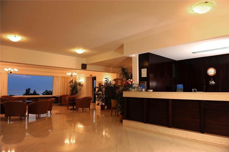 lezbos hotel delfinia 3*