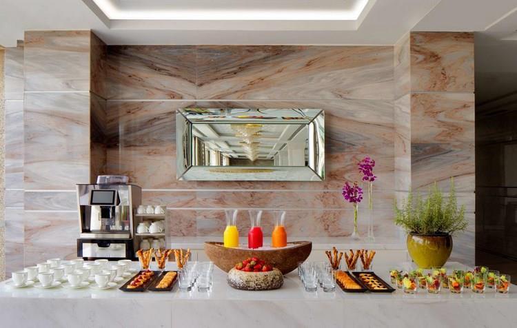 Hyatt Regency Corniche