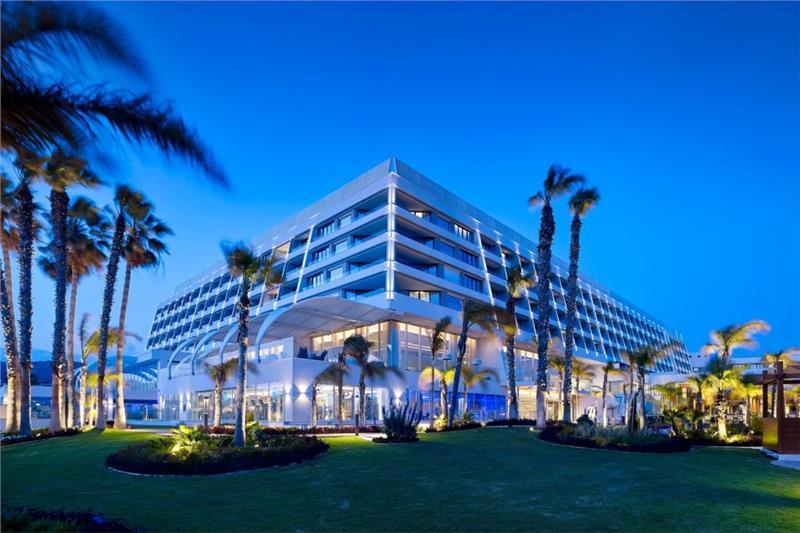 Parklane Resort & Spa